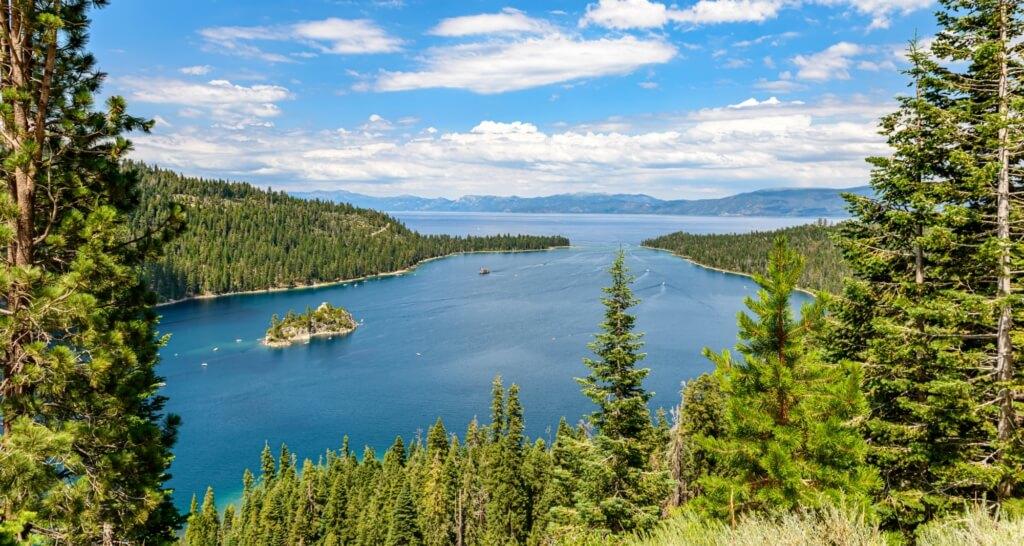 Best Hikes Around Lake Tahoe - Emerald Bay 2 Photo by Stephen Walker on Unsplash