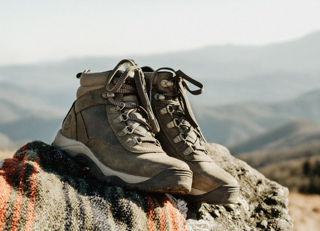 How to Choose Hiking Shoes Featured Image