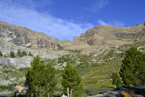 hiking the ruby mountains - Rock Pass from Island Lake