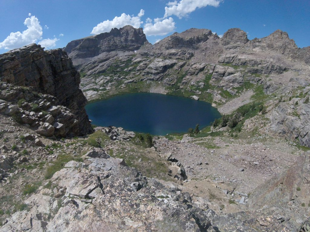 hiking the ruby mountains - view of echo lake from saddle