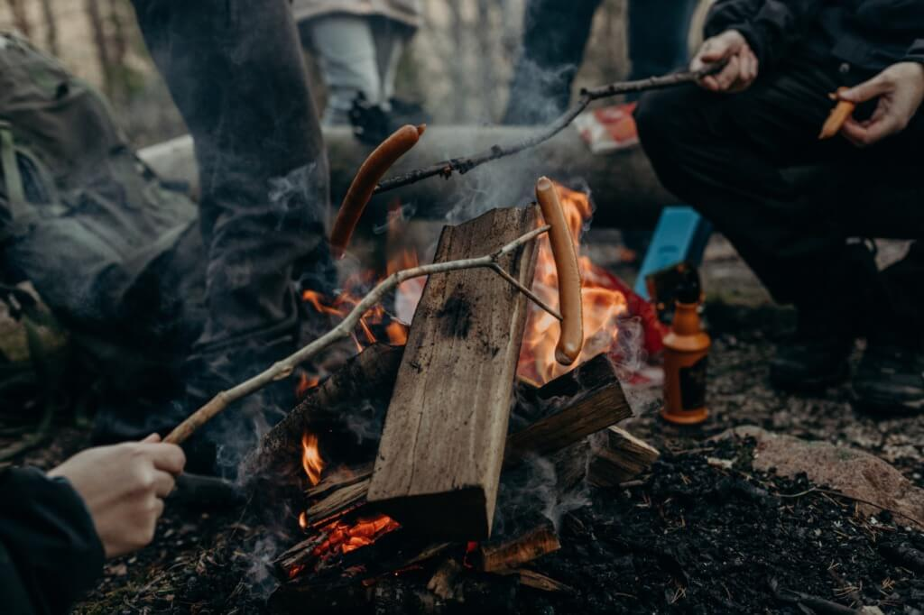 Backyard Camping Ideas - make a camping dinner Photo by Nicolette Attree from Pexels