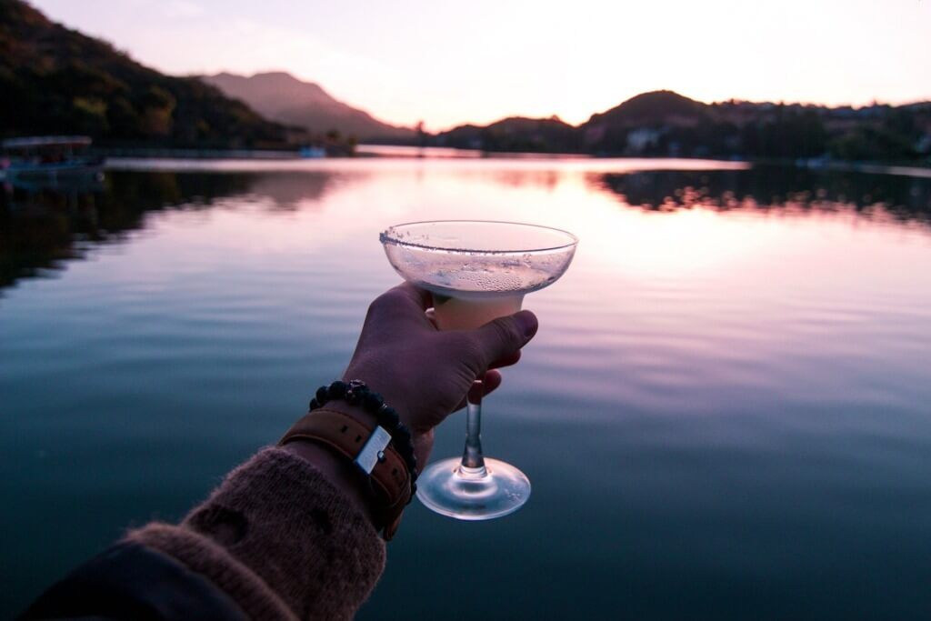 10 Easy Camping Cocktails - mountain margarita PC Luke Bender via Unsplash