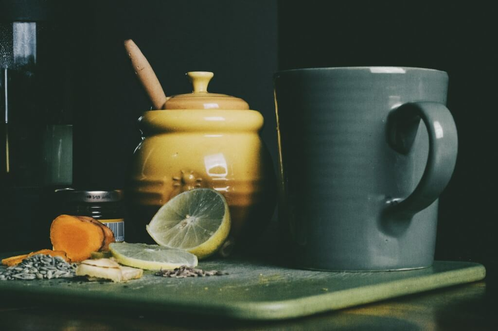 10 Easy Camping Cocktails - turmeric tonic PC Hans Vivek via Unsplash