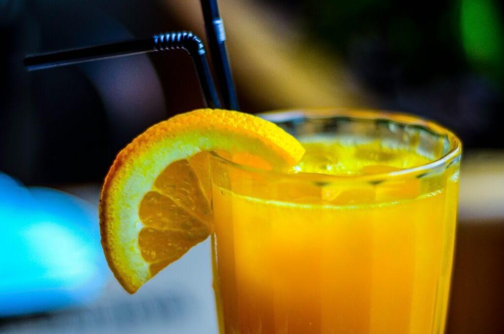 10 Easy Camping Cocktails - vitamin C mimosa PC Pamela Lima via Unsplash