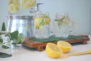 10 Easy Camping Cocktails - water elixir PC Mariah Hewines via Unsplash