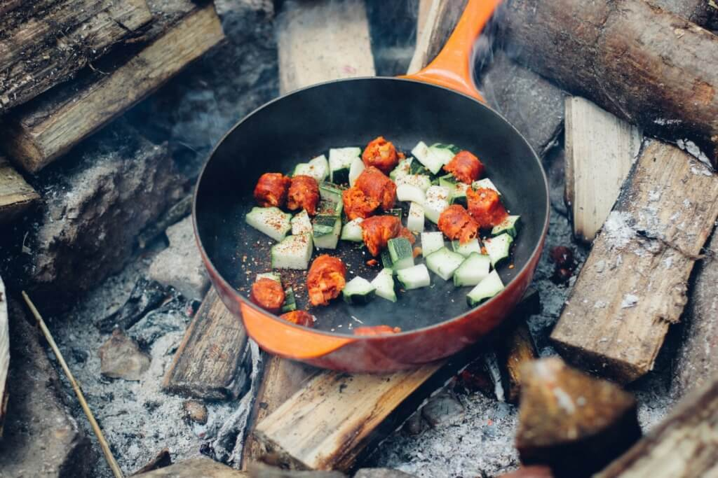 10 Healthy Camping Food Recipes Featured Image PC Dan Edwards via Unsplash