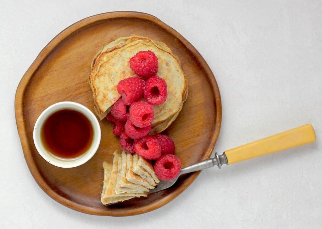 10 Healthy Camping Food Recipes - banana pancakes PC Sheri Silver via Unsplash