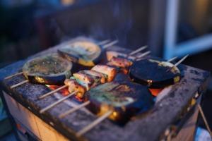 10 Healthy Camping Food Recipes - camp skewers PC Jessie Beck via Unsplash